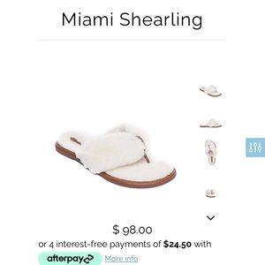 NWOT Bernardo shoes size 10W